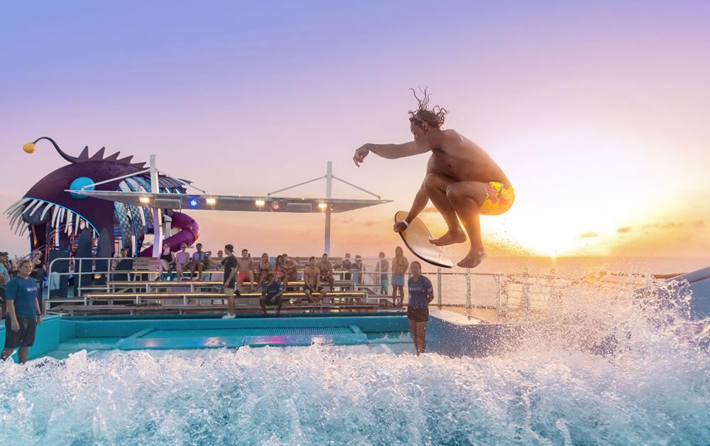 Harmony of the Seas FlowRider® Surfarena